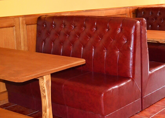 Прочная и простая в уходе обивка для мягкой мебели в кафе, облегчит уборку и сэкономит средства на перетяжку