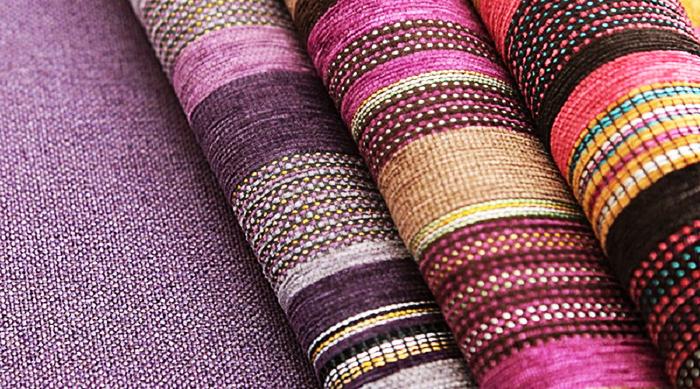 Шенилл имеет богатую цветовую палитру, коллекции, как правило, однотонные