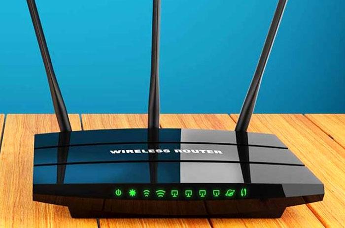 Обычный Wi-fi роутер с дополнительной антенной