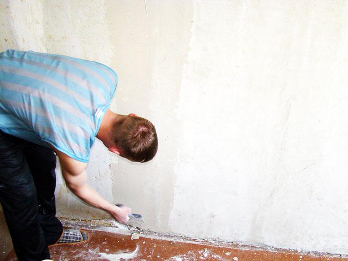 Стены нужно тщательно подготовить