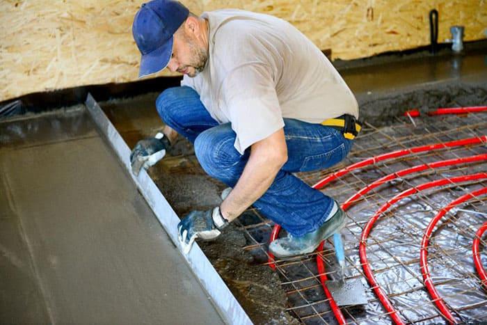 Механизированную стяжку можно выполнять после установки тёплого пола