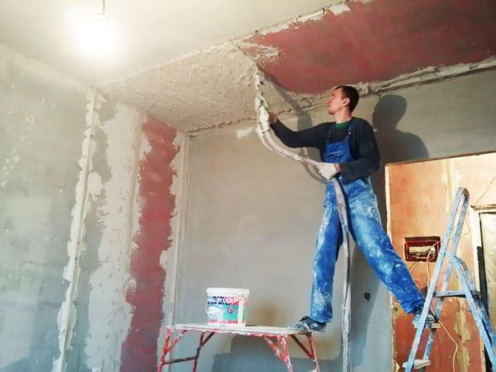 Покрытие под многоуровневые потолки обрабатываются в два слоя