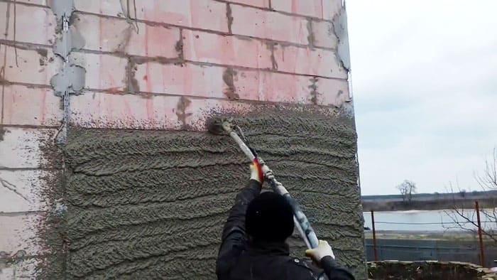 Из цементно-песчаного варианта можно сделать перетёртую штукатурку