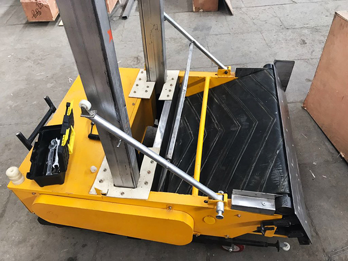 Робот-штукатур модель RoboPlaster-1000, но по функциональности, это, скорее, полуавтомат