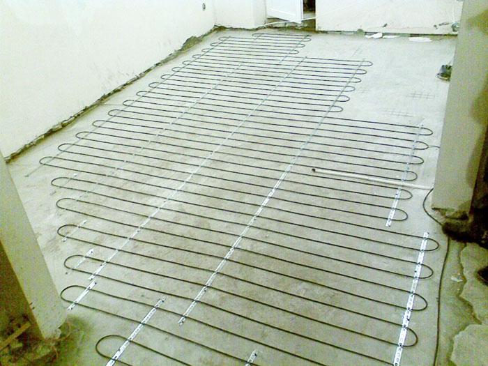 Без штукатурной сетки обходятся, если надёжное крепление можно создать прямо в бетоне