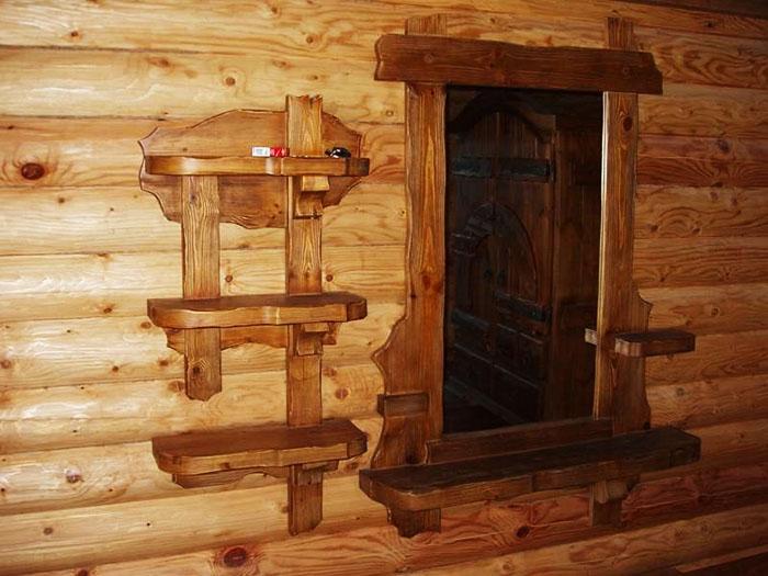 Резная трёхъярусная полочка и зеркало с небольшими навесами