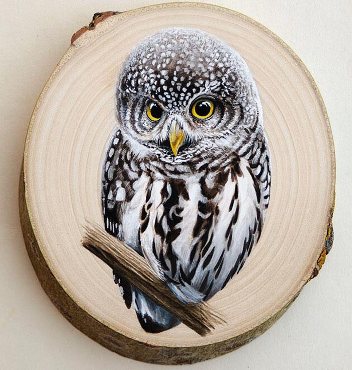 На спилах интересными получаются животные, птицы, натюрморты. В дальнейшем они служат как картины для оформления кухонь, прихожих, коридоров