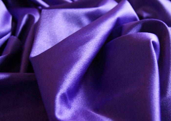 Гладкая материя для пошива парадной одежды