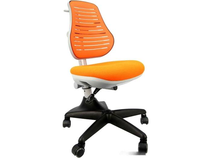 Очень удобными считаются ортопедические кресла с перфорированной спинкой