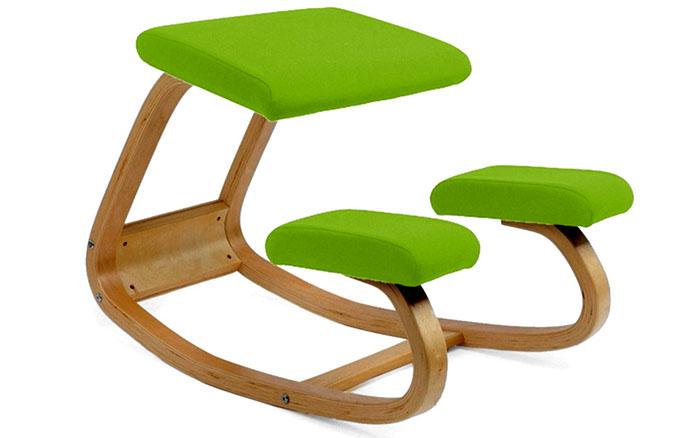 Выбирая ортопедический стул-качалку, нужно учитывать, что ребёнку потребуется время, чтобы к нему привыкнуть