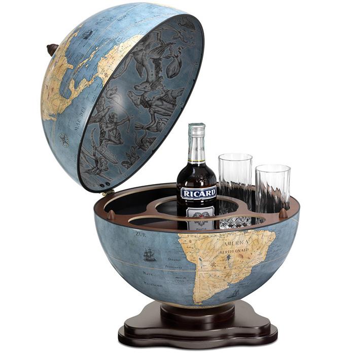 Бар для спиртного из голубого географического глобуса
