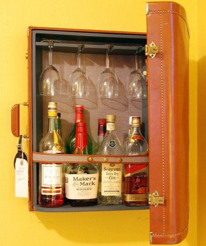 Навесной декоративный бар для алкогольных напитков из натуральной кожи