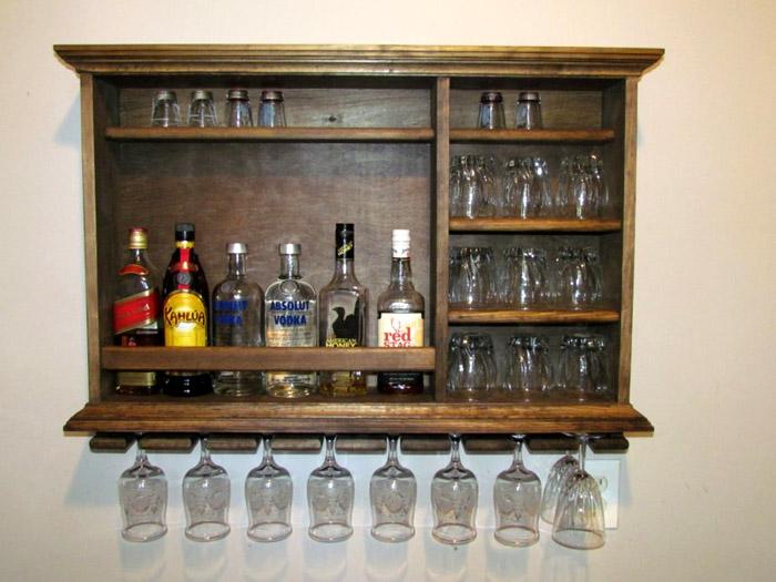 Массивный мини-бар из старого буфета
