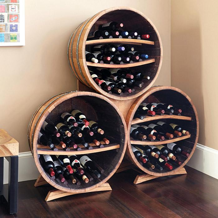 Даже старые бочки, в которых ранее хранили вино, могут стать основой конструкции бара после реставрации