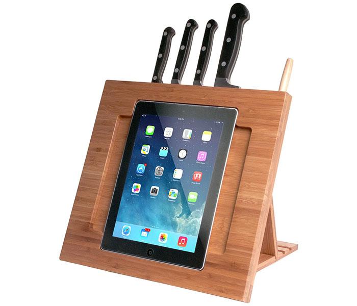 Такая подставка подойдёт для просмотра видео или фильма на планшете во время готовки